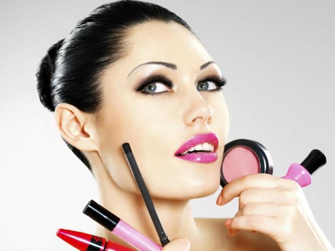 beneficios-de-usar-maquillaje-asun-parra-epro